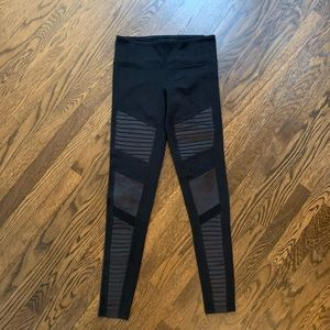 Size Small Alo Yoga Moto Tights